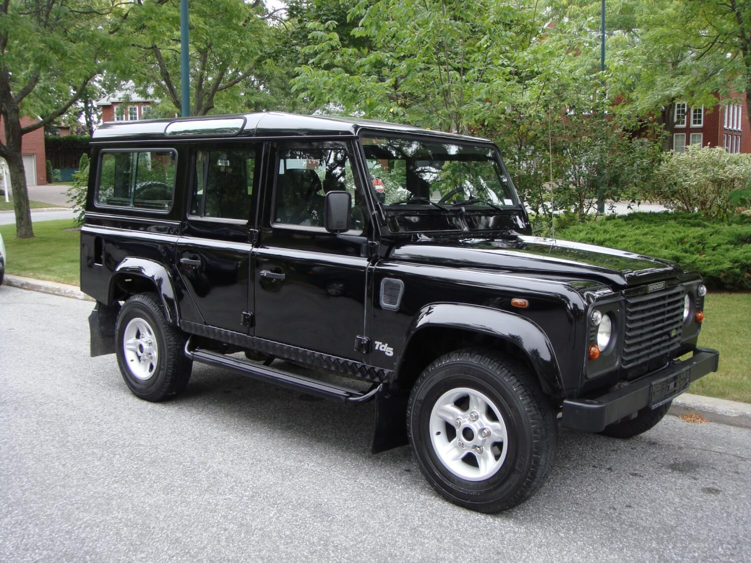 2426 land rover defender 110 td5 exotic suv. Black Bedroom Furniture Sets. Home Design Ideas